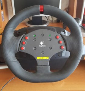 Игровой руль Momo Racing Force от Logitech