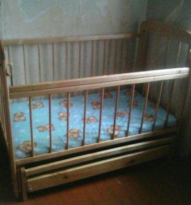 Детская кроватка- маятник
