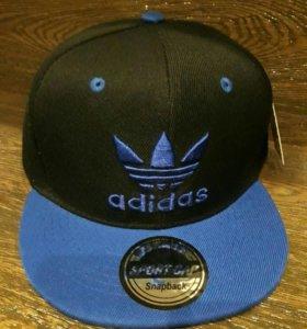 Кепка Adidas чёрная с синим