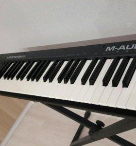 Midi-клавиатура M-audio + стойка