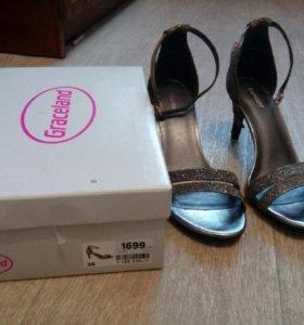 Туфли-босонжки женские.