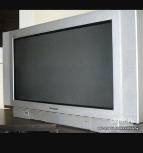 Телевизор панасоник огромный!