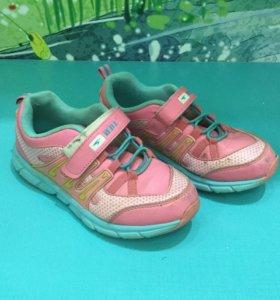 Кроссовки для девочки р 34
