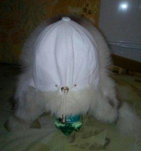 Женская шапка.