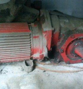 Моторредуктор 1,1 кВт 28 об/мин.