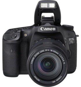 Зеркальный фотоаппарат Canon EOS 7D Kit 18-135