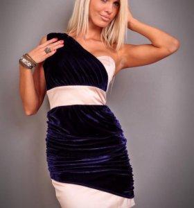 Платье с бархатной отделкой. Новое.