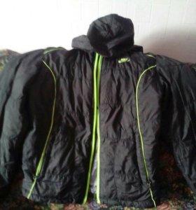 Куртка демисезоная б.у