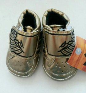 Детская обувь новая до 1 года на девочку.