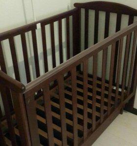 Кровать детская из масива