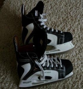 Хоккейные коньки Larsen