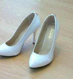 Туфли женские р-р 37,5