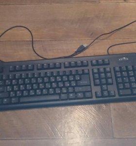 Две клавиатуры по 100 руб за штуку