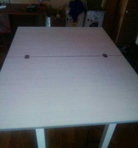 Удобный стол