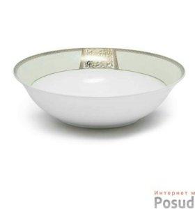 Набор посуды из фарфора