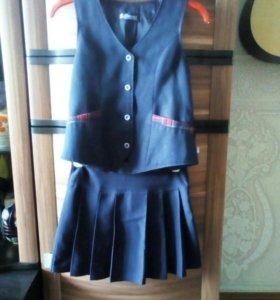 Школьная безрукавка с юбкой.