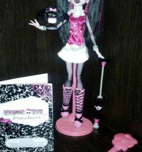 Базовая куколка Monster High Дракулаура ❤