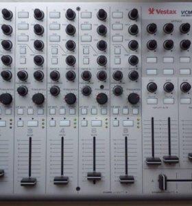 dj controller Vestax vcm600