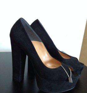 Туфли замшевые, чёрные, р-р 35 (маломерки)