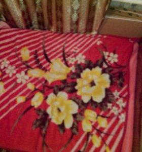 Кровать двухспальная, матрас