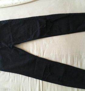 Чёрные джинсы Pull and bear