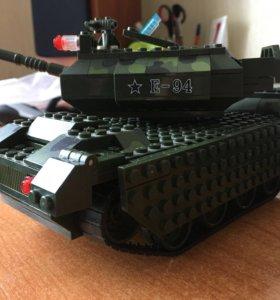 Танк Лего (lego)