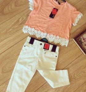 Белые джинсы и футболочка для девочки