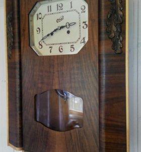 Часы с маятником и боем