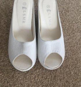 Туфли, одевала 1 раз на свадьбу.
