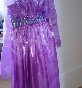 Роскошное лиловые платье из органзы