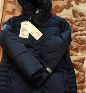 Куртка осенняя НОВАЯ 128 размер