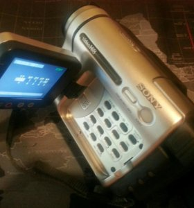 Видеокамера Sony CCD-TRV238E