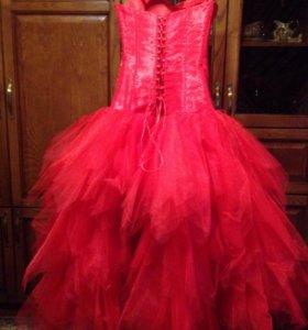 Вечернее платье для встречи Нового года