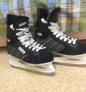 """Хоккейные коньки """"Caprice"""" 39 размер"""
