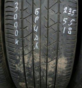 235/55R18 комплект летних шин Бриджстоун