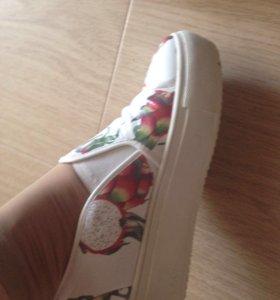 Женские туфли-слипоны