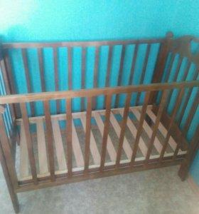 Детская кроватка + матрас + простынь