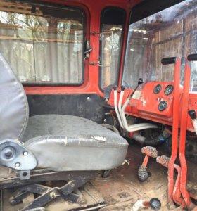 Трактор (бульдозер)
