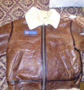 Кожаная куртка из натуральных материалов