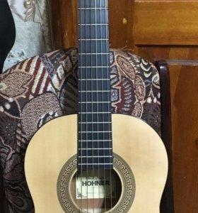 Гитара учебная, чехол, подножка, запасные струны