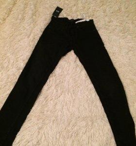Новые чёрные джинсы Zara