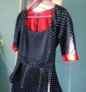 Платье с баской 46-48 размер