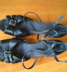 Туфли для бальных танцев, латина.
