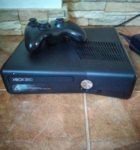 Xbox 360 Slim + 7 лицензионных игр
