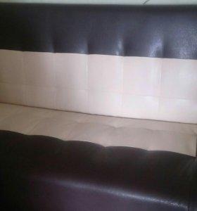 Стильный диван из экокожи