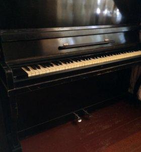 Продаётся фортепиано