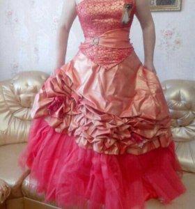 Выпускное или свадебное платье