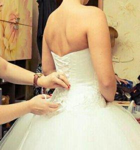 Свадебное платье, перчатки, фата, шубка