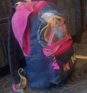 Рюкзак с детскими вещами