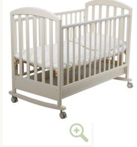 Кроватка с матрасом и мягкими бортиками б/у